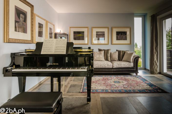 living con pianoforte elegante home staging casa del poeta