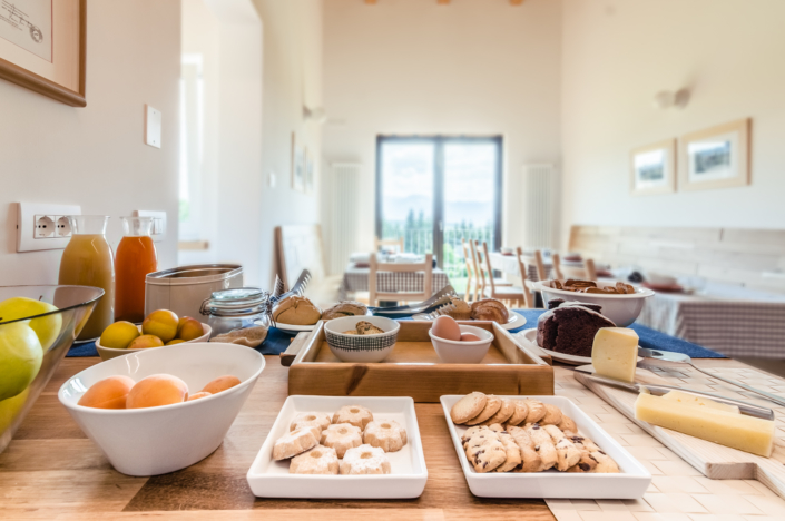 buffet colazioni b&b montagna trentino fotografia homestaging