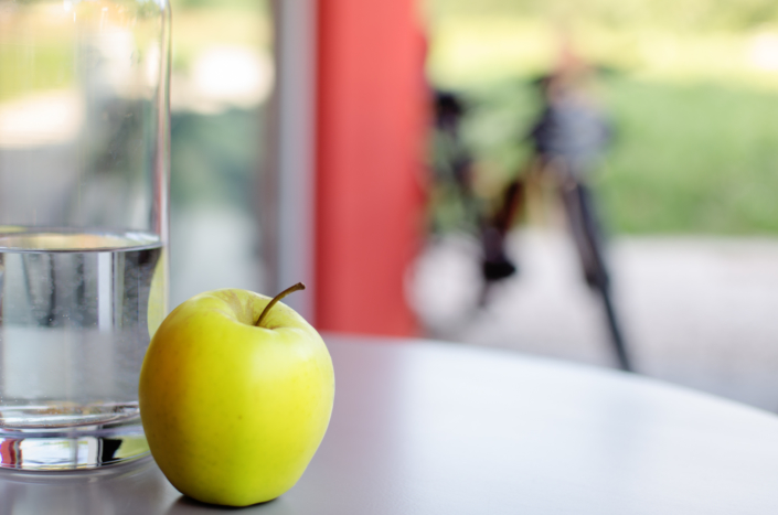 mela e bicicletta esperienza turistica