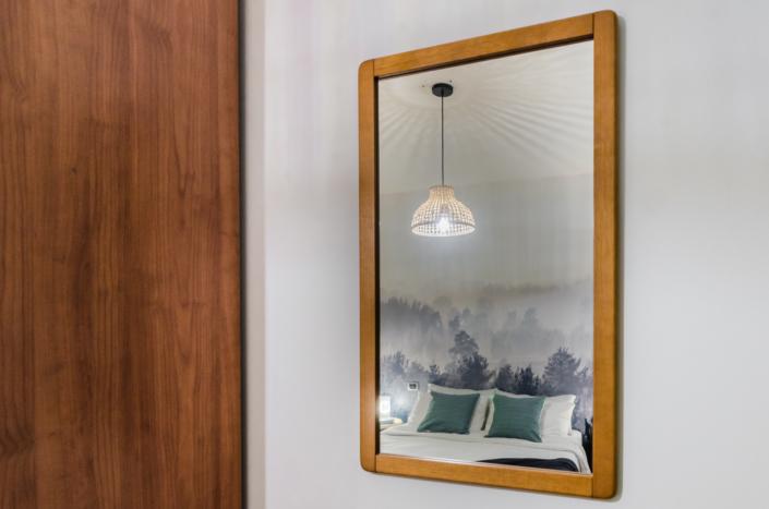 specchio riflesso letto fotografia turistica