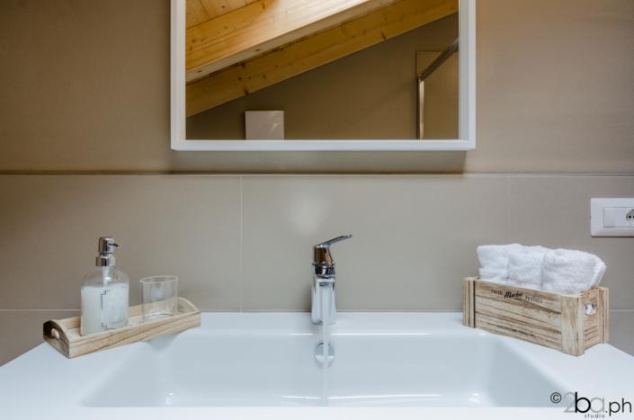 casa di montagna legno mansarda vacanza affitti brevi monolocale lavello bagno