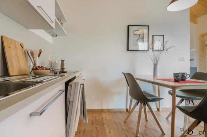 casa di montagna legno mansarda vacanza affitti brevi monolocale cucina lavastoviglie