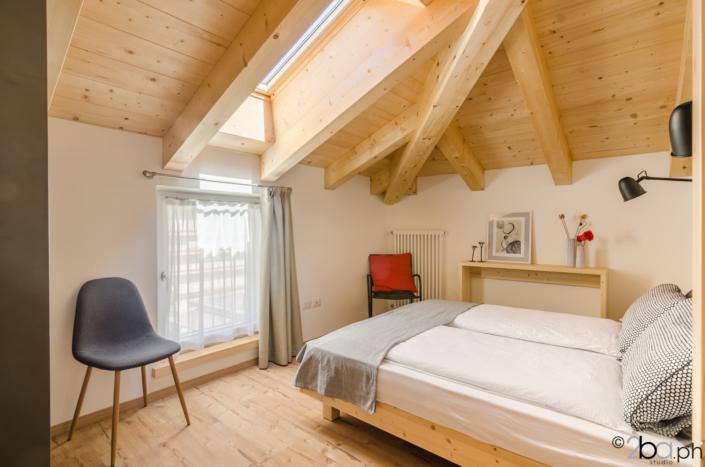 camera montagna legno mansarda vacanza affitti brevi valle di non