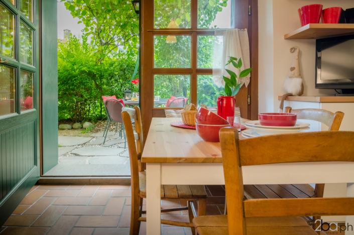 tavolo casa campagna valle di non affitti brevi